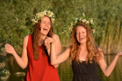 17-06-03 Abtsee Lisa und Nina Blumenkränze (24)