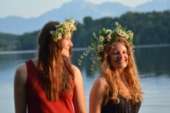 17-06-03 Abtsee Lisa und Nina Blumenkränze (30)