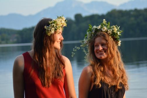 17-06-03 Abtsee Lisa und Nina Blumenkränze (31)