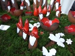"""Viele kleine Heroszwerge mit rotem """"Zipfelchen""""..."""