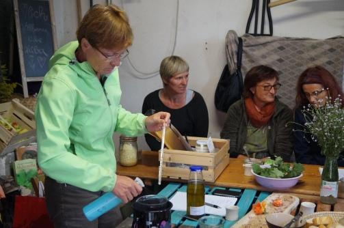 18-09-01 Frauentreff Heilkräuter Weiberleib 50